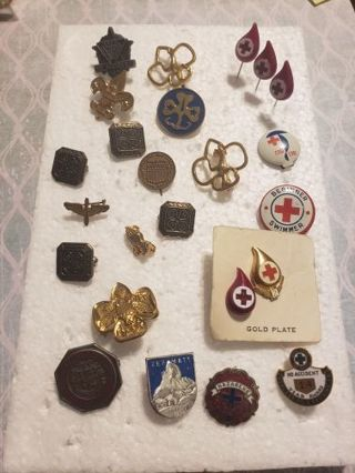 Collectible pin brooch vintage lot