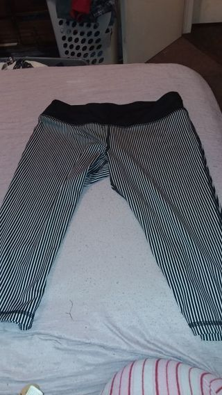 Women Material Girl Active workout capri size L