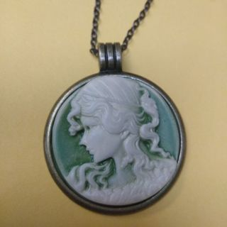 """BEAUTIFUL SAGE CAMEO 26""""NECKLACE(FREE SHIPPING)"""