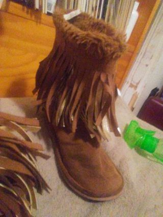 Size 2 kids boots