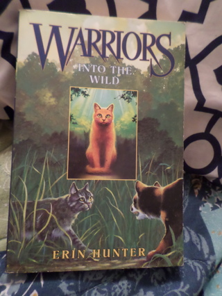 Warriors, Into The Wild Book by Erin Hunter