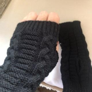 Knitted Black fingerless gloves. #03