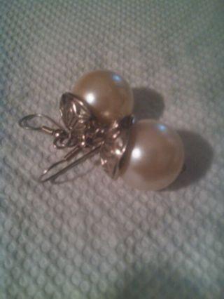Pearl earrrings