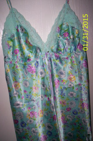 """NEW!LACEY""""SILKY FEEL NIGHT GOWN """"SECRET TREASURES.X LARGE PASTEL COLORS"""
