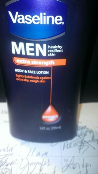 *BN* 10 ounce bottle of Vaseline Men's Face & Body Lotion