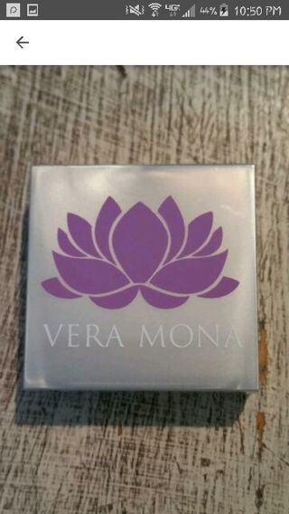 Vera Mona Eyeshadow NEW