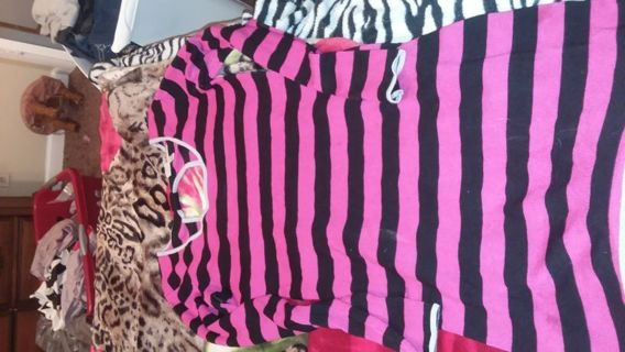 Women dress size L by Derek