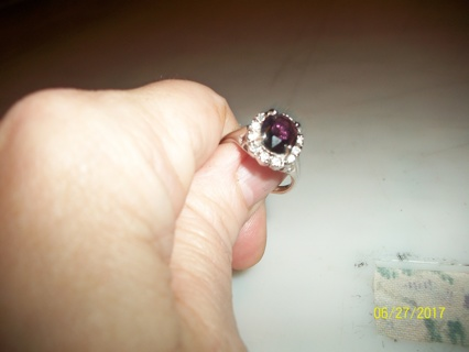 WOMaNS RING - SIZE 8