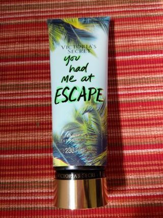 Victoria's Secret You had me at escape, body lotion