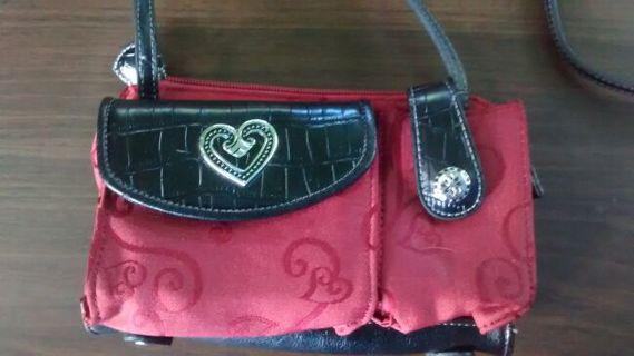 Cold Water Creek CrossbodyWallet/Clutch Handbag/Purse Rust Color Black Faux Leather SO CUTE