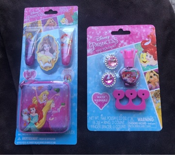 Free: Disney Princess - Nail Polish Kit & Lip Balm Set