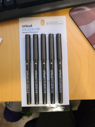 CRICUT INFUSIBLE INK MARKS 1.0 5 PENS IN BLACK **BRAND NEW**