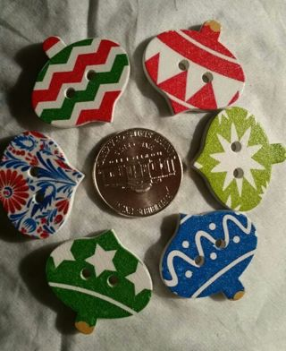 6 ORNAMENT STYLE WOOD BUTTONS