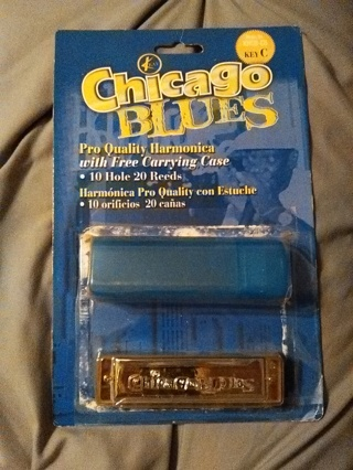 Chicago Blues Pro Quality Harmonica with Carrying Case -- NEW!!