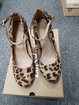 New in box! Ladies Mark Love Leopard Suede Shoes--Size 5.5