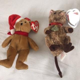 Two (2) TY Holiday Jingle Collectible Beanies. Louis and1997 Holiday Teddy.