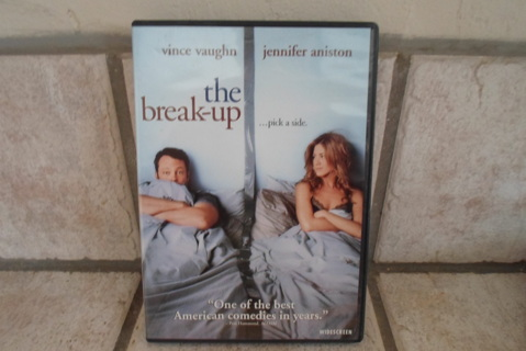 DVD 4 MOVIES- THE BREAK UP/ KILLERS&THE SWITCH/ARE WE DONE YET? NUTTY PROFESSOR 1&11 GOOD CONDITION!