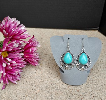 New Lovely Pair of Bold Silver Statement Turquoise Rose Earrings