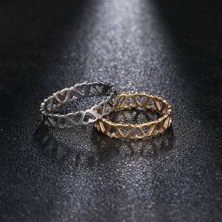 [GIN FOR FREE SHIPPING] Fashion Stainless Steel Love Heart Band Ring
