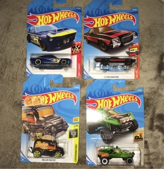 Hot Wheels set of 4