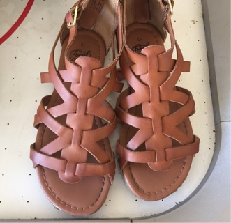 Girl's Brown Leather Sandals Size US 12