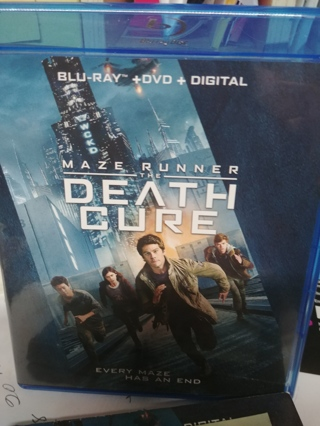 MAZE RUNNER (THE DEATH CURE)