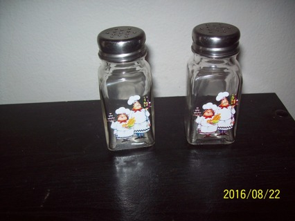 Glass Salt & Pepper Shakers, Chef Images, No. 2
