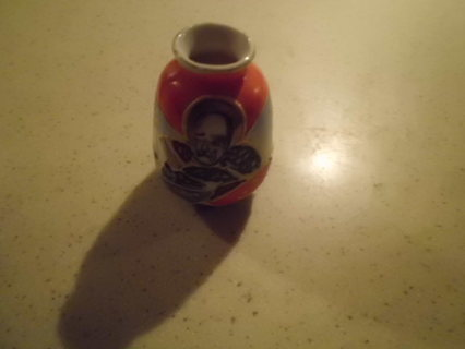 SMALL VINTAGE OCCUPIED JAPAN VASE HALLMARKED MINT CONDITION!FREE SHIPPING!