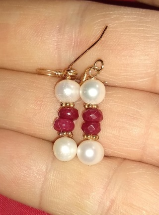 PEARLS AND RUBIES ALL NATURAL PEARLS ARE CULTURED 14K GOLD FILLED WIRES BRAND NEW AND FANTASTIC WOW!