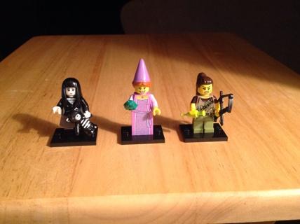 *GIN* LEGO Series 12 (Scary Girl, Princess & Dino Hunter)