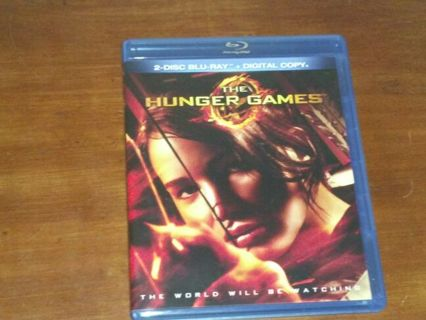 The hunger games ( first 1) Blu ray DVD