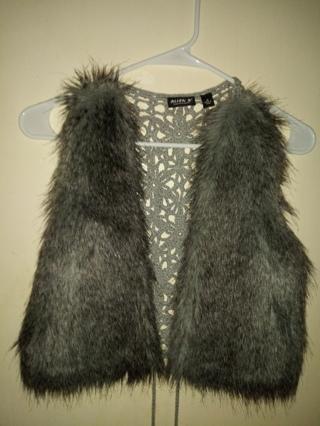 Fur vest by Allen Schwartz womens medium GRAY