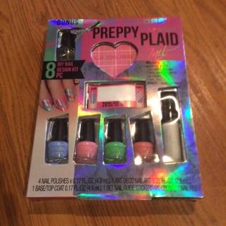 Brand New L.A Colors color craze preppy plaid nail