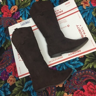 Women's tall brown boots size 8 boots