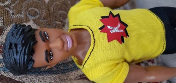 Cute Ken fashionista doll! With outfit!