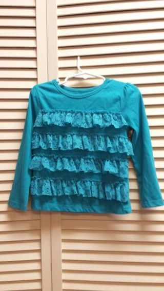 Size 3T solid color top
