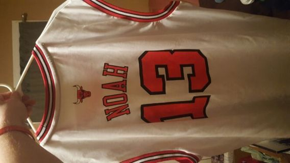 Chicago Bulls Noah all white alternative jersey XL free shipping!!!!!!!!!