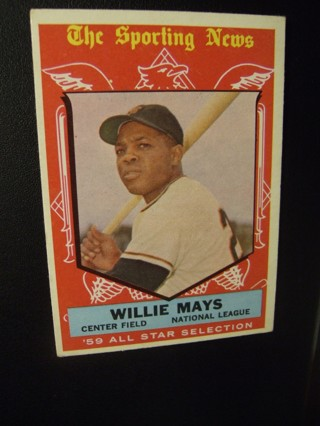 1959 - TOPPS NRMT  BASEBALL CARD HI NO. 563 - WILLIE MAYS. CARD BV IS $150. READ MESSAGE