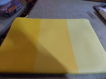 IPSY 3 shades of yellow leather make up bag