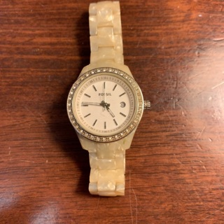 Fossil watch need battery free ship