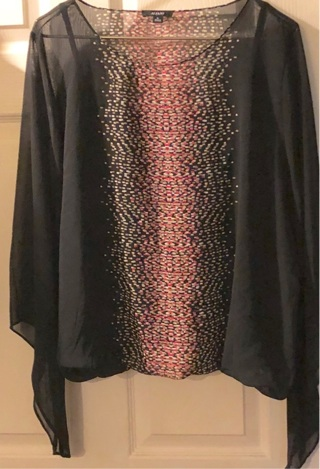 "BNWT XL Blk w/ red-white Design. Flair Sleeve Top. Blk Cami Incld. Poly. 23"" armpit -armpit. 24.5"" L"