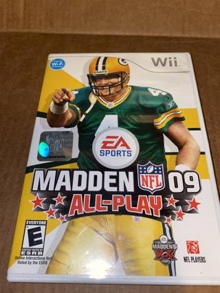 Wii  MADDEN 09 Bret Favre All Play  Nintendo Game       ok4