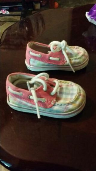 Sperry top side size 2