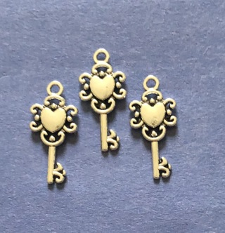New 3 Double Sided Heart Key Charms
