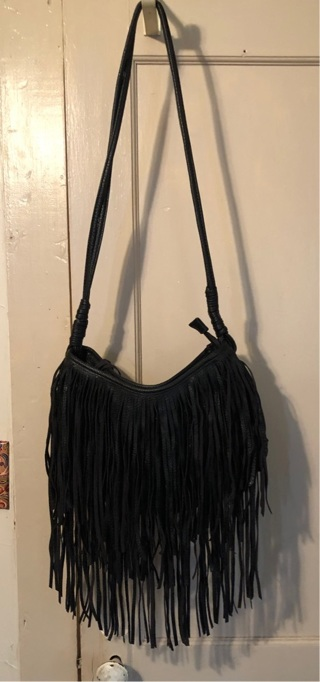 BARELY USED-BEAUTIFUL NO NAME BRAND PURSE