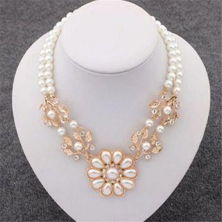 Beautiful Pearl n Rhinestones Necklace BNIP