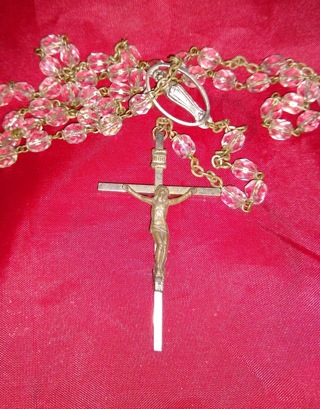 NECKLACE RELIGIOUS CATHOLIC 36 INCHES LONG MADE IN ITALY VERY OLD TAKE A LOOK.