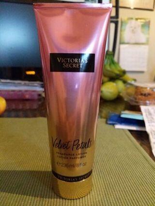 Victoria's Secret velvet petals fragrance lotion