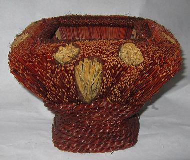 Basket vintage folk art medium square hand made quality starw dark light straw