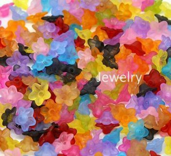 800pcs Mixed Flower Frosted Acrylic Beads